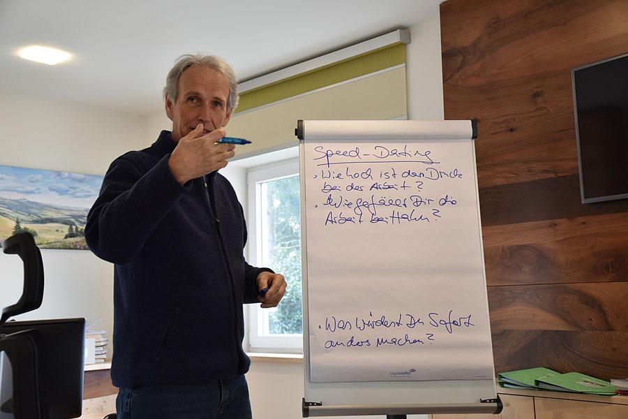 Seminarleiter Georg von Koppen
